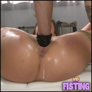 Bondage Blonde Gets Amazing Vaginal Fisting Sex – Paige Owens – Pussy Fisting
