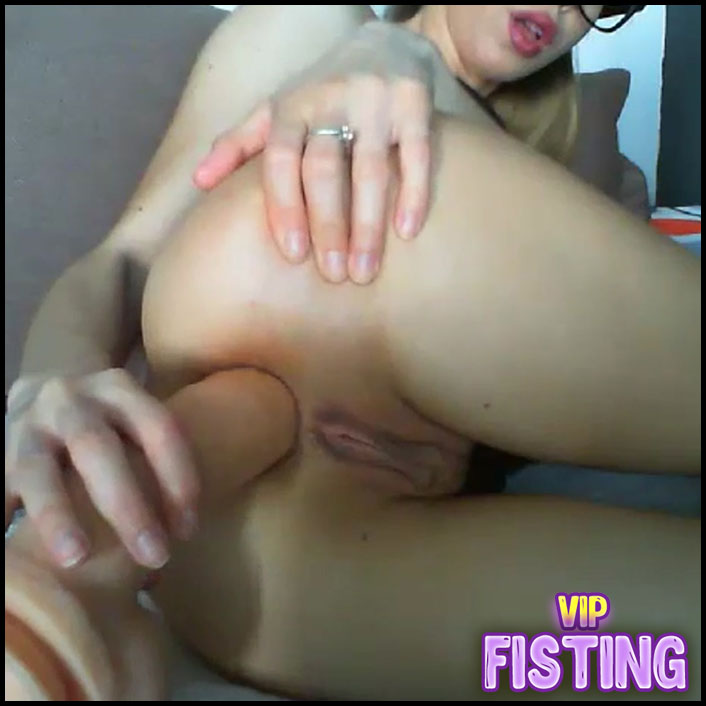 Cute Camgirl Again Loose Her Anal Gaping Hole - Naughtysextime