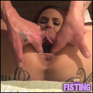 Amateur Big Ass Tattooed Girl Gets Strapon Domination And Fisting – LilySkye – Double Fisting