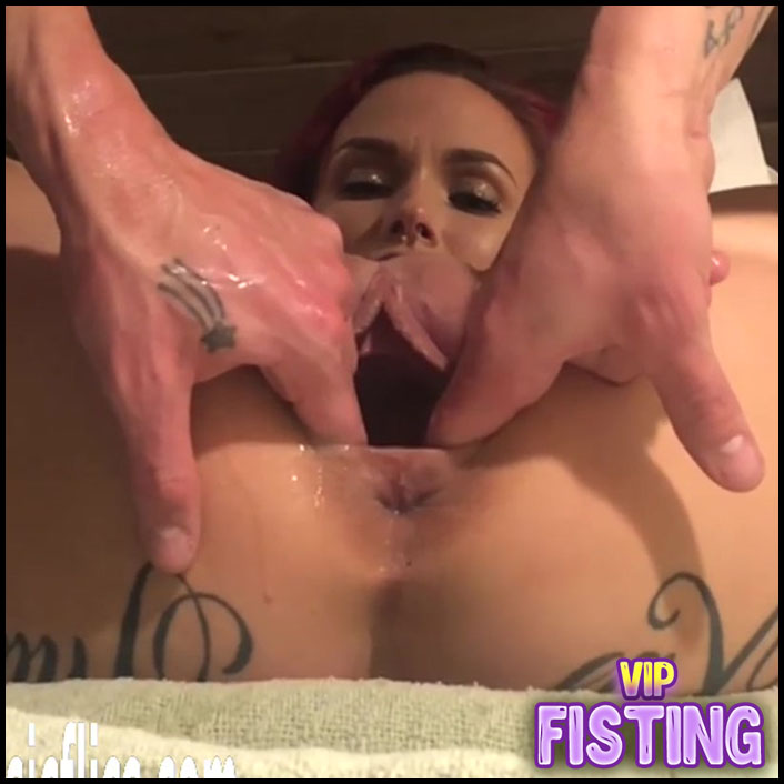 Amateur Big Ass Tattooed Girl Gets Strapon Domination And Fisting - LilySkye
