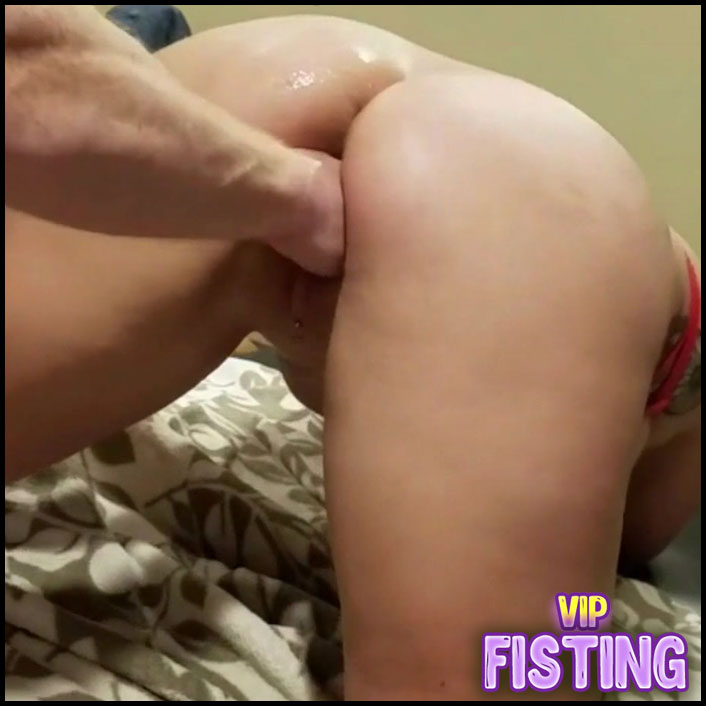 Amateur Really Horny Bondage Wife Gets Fisted