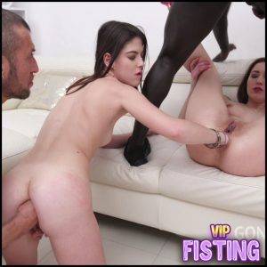 Try Double Fisting Sex Gangbang – Mina and Sara Bell – Anal Fisting, Deep Fisting