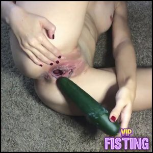Horny Skinny Wife long Cucumber Penetration Deep In Pussy – Cucumber Pussy