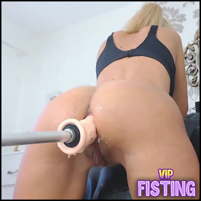 Cute Booty Blonde Ruined Her Anal Hole With Fucking Machine
