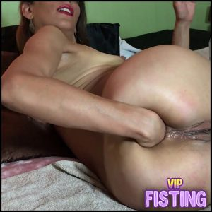 Self Fisting Prolapse Close Up – Maria Hella – Solo Fisting