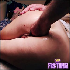 Asian Wife Enjoy Rough Anal Fisting Sex With Her Husband – Cometodaddy_G – Anal Fisting