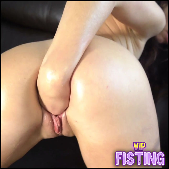 Cute Wife Closeup Gets Fisted From Husband and First Self Fisting Too