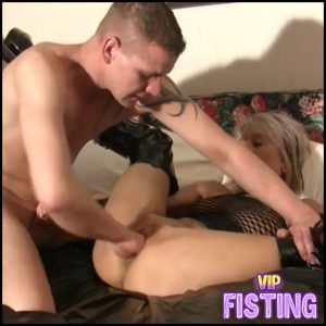 German Dirty Blonde MILF Vaginal Fisting Sex Gets From Male Homemade – Pussy Fisting