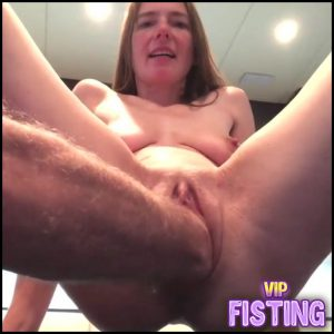 Kinky German Girl With Saggy Tits Gets Fisted From Old Male – Pussy Fisting