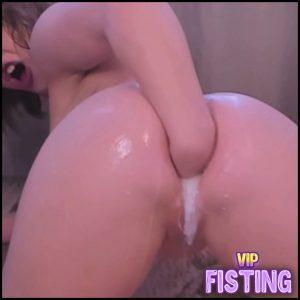 PamelaShineeBb MESSY Gag On Face/Hair Pee Fist Milk Ass – Webcam Fisting