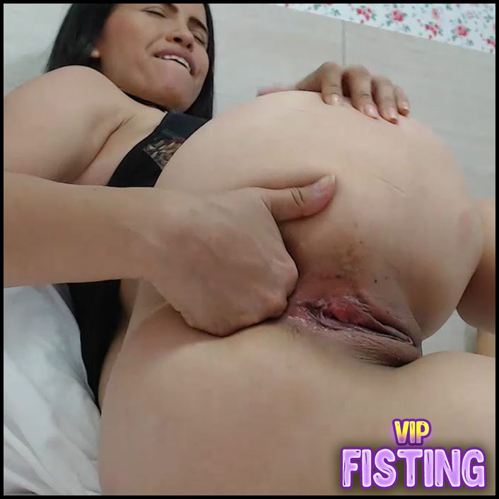 Colombian Brunette Her Big Peehole - Carolinauribe_ Fingering