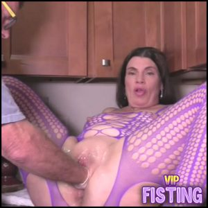 Amateur Famous MILF Gets Husbands Hand With Rubber Glove – Hottabbycat – Pussy Fisting