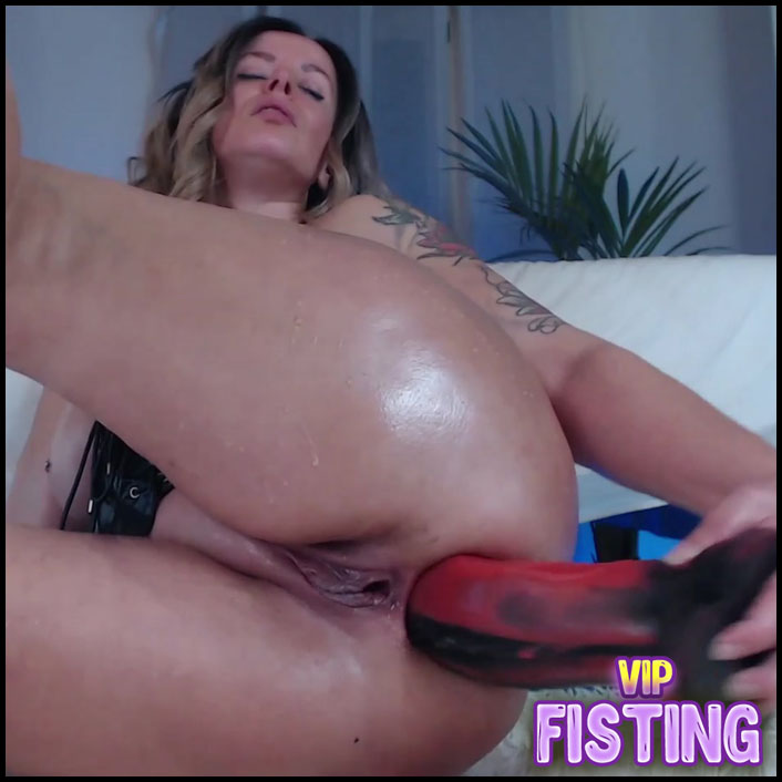 Bad Dragon Dildo Anal and Other Rubber Dildo in Pussy Busty Pornstar