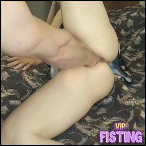 Russian Teen Wife Enjoy Deep Vaginal Fisting Sex – Teen Fisting
