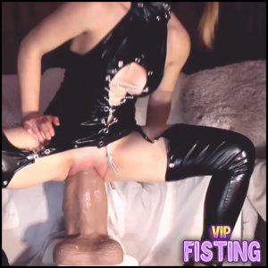 Masked Rubber Cat Bosshog Dildo Vaginal Penetration Deeply – Monster Dildo