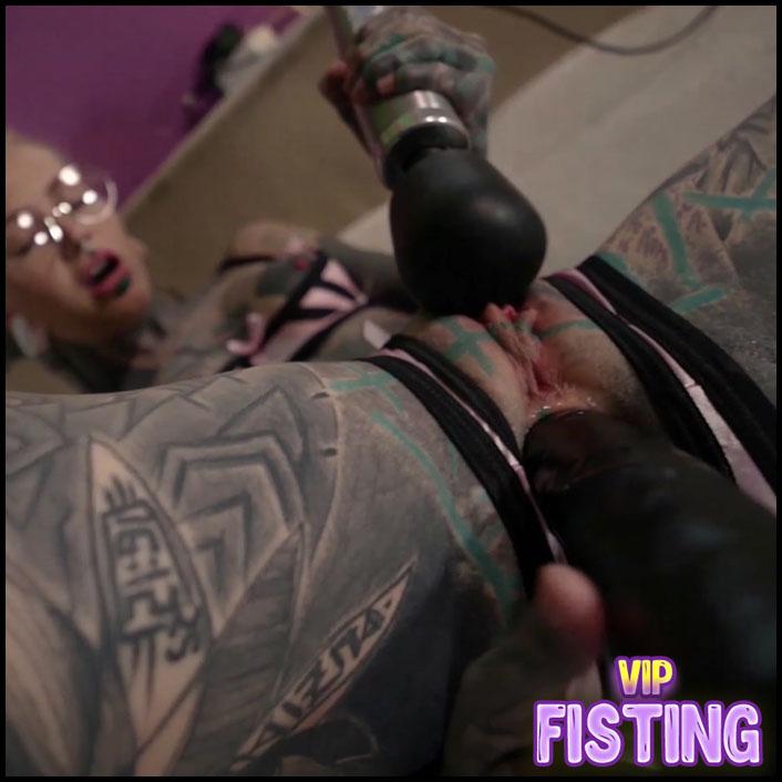 Tattooed Pornstar Teen Fisting Domination to Tattooed Male - Anuskatzz