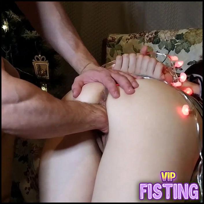 Russian Teen Juliana Kiss Hand Bondage and Gets Fisted Closeup Homemade