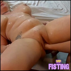 SlaveBC With Miss Demeanor Disgusting Soccer Moms – Lesbian Fisting