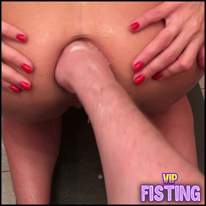 CrazyWifeSlut Analfist With Huge Gapes for CWS
